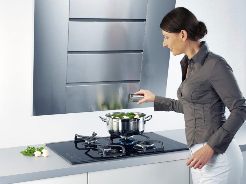 как выбрать вытяжку на кухню3